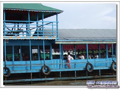洞里薩湖-水上學校