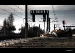 04/52 - My shoes are waiting with me. (byLinski) Tags: train shoe high perfect traffic dynamic bokeh 365 range hdr highdynamicrange 52 shoeproject 52weeks dobritz tranpsort bylinski shoelife timbielinski