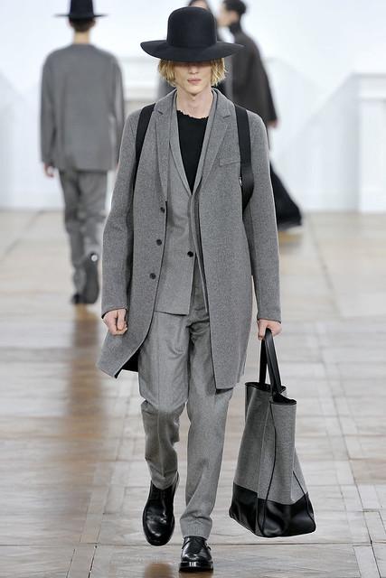 Paul Boche3196_FW11_Paris_Dior Homme(VOGUEcom)