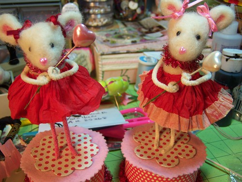 mice amidst a mess!