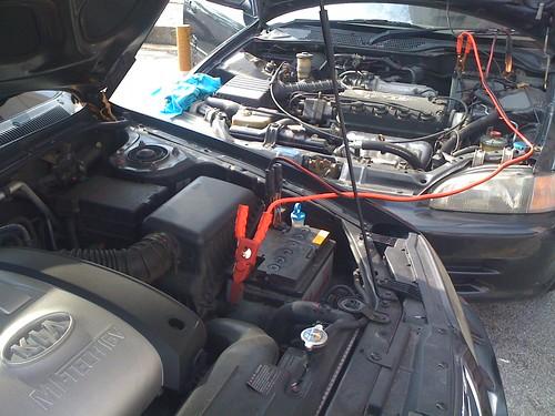 Jumper bateri kereta