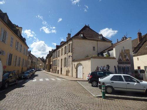 Place Docteur Jorrot, Beaune - mural by Patrick Bidaux
