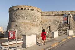 Gallipoli, lungomare con fortificazioni (Angelo M™) Tags: gallipoli puglia lungomare mare spiaggia beach seaside sea landscape paesaggio tramonto sunset italia italy