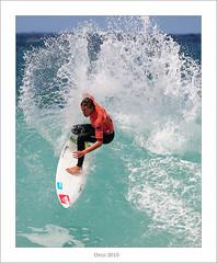 Oakley Pro Junior 2010 (Ortzi Omeñaka) Tags: beach nikon surf contest playa surfing heat junior pro backside sansebastian euskalherria basquecountry paisvasco donostia frontside gros manfrotto 2010 zurriola kursaal guipuzcoa kellyslater tc14eii tuberide joelparkinson mickfanning jordysmith nikond700 055xdb paulineado rc222 tc20eiii ortziomeñaka ethanegiguren nikon400f28 oakleyprojunior2010 vemenardi