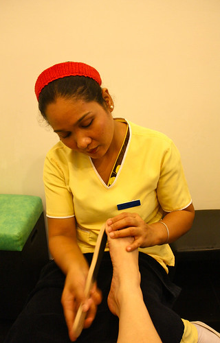 Beauty & Butter's Foot Spa - Scrubbing