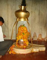 Shivling Nai Nath Mandir Banskho, Rajasthan in India (Devender) Tags: india temple nai mandir rajasthan nath bassi shivling banskho