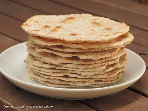 Homemade mini Chapati (Indian flatbread)