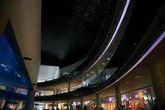 The Dubai Mall ドバイモールはおしゃれかつ最先端な感じ。