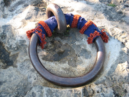 guerilla knitting - mooring cozy