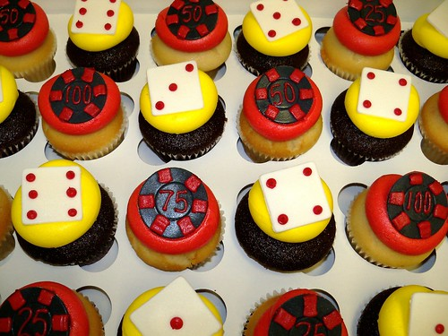 poker chips and dice cupcakes