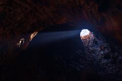 Ray (Tati@) Tags: luz nikon d200 rayo laos cueva procesado hochimintrail artigazo