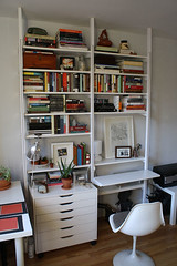 workspace (GoodAfternoonan) Tags: apartment desk apartmenttherapy tulipchair apartmenttherapyny rakks shelfshop