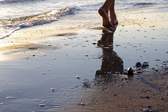 sand_walk (adartee | www.imik.it) Tags: sunset summer italy holiday feet donna seaside sand waiting mediterranean mediterraneo italia mare estate alba blu walk uomo acqua spiaggia piedi vacanza riccione onde adriatico passeggiata aspettare camminare bagnasciuga vividstriking