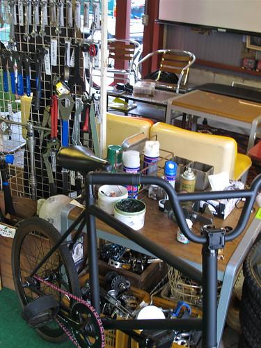 100911 Circles BikePit Service