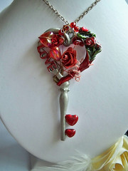 LOVE Necklace - Key Heart Roses