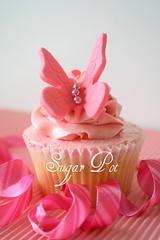 Princesses love ballet : Butterfly (Sugar Pot) Tags: pink butterfly purple princess cupcake