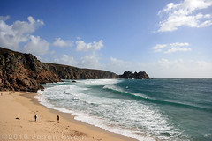 Lots of space, but no room for the monday blues here. Porthcurno Beach, Cornwall, England. (s0ulsurfing) Tags: ocean travel blue light sea vacation england people cliff sunlight holiday seascape english tourism praia beach nature water beautiful beauty rock composition relax landscape outdoors bay coast mar sand