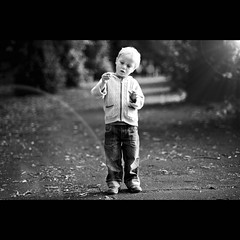 Bakugan (PMMPhoto) Tags: park family trees portrait white black paul scotland nikon photographer dof path glasgow  mcgee 85mm lifestyle jeans flare hamish nikkor 18 fp cardigan lanarkshire strathaven paulmcgee d700 donotusewithoutpriorpermission pmmphoto paulmcgee