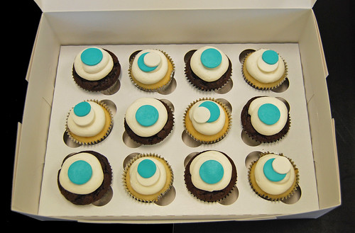 Tiffany blue and white baby shower cupcakes