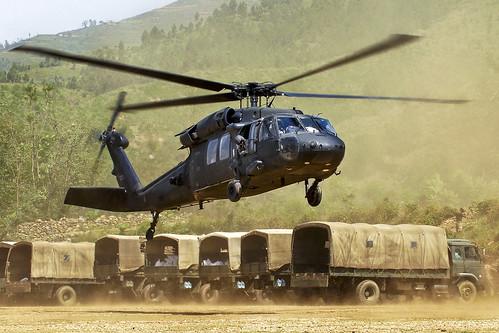 フリー写真素材, 乗り物, 航空機, ヘリコプター, UH- ブラックホーク, アメリカ陸軍,