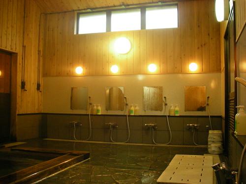 洗い場・リンスインシャンプー・ボディーソープあり