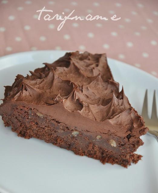 çok çikolata pastası