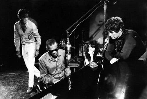 Ray Charles - Michael Pfleghaar at the right.
