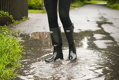 Herts_Walking_25 (jjay69) Tags: uk england woman wet water walking puddle boots shorts splash wellies waders rubberboots hertfordshire hotpants herts cleaningboots