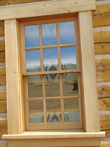 186 RANCH CABIN DOUBLE HUNG WINDOW EXTERIOR VIEW