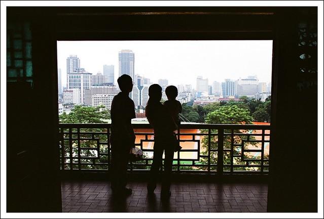 一家人看风景