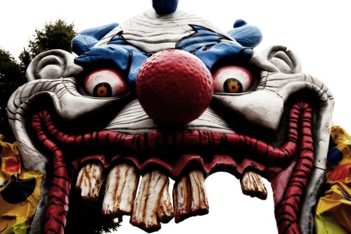 scary clown halloween decoration at canadas wonderland - Scary Clown Halloween Decorations
