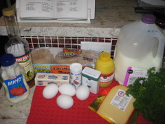 ingredients for huevos en salsa de queso