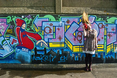 (evilibby) Tags: girl hat graffiti human libby 365 hairflip grays graffitiwall hairtoss 365days 3653 mushroomhat graysbeach tinytoadstool tinytoadstoolproject toadstoolhat graysbeachwall gettyimagesuklocation welcomeuk