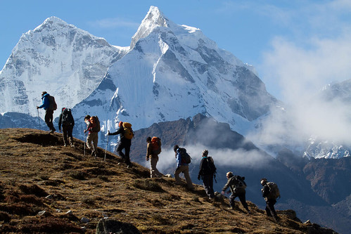 Trekking above Pheriche