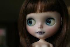 VM Vampie for Brian (Tiny Haus) Tags: carved doll vampire teeth carving customized blythe fangs custom vm tinyhaus