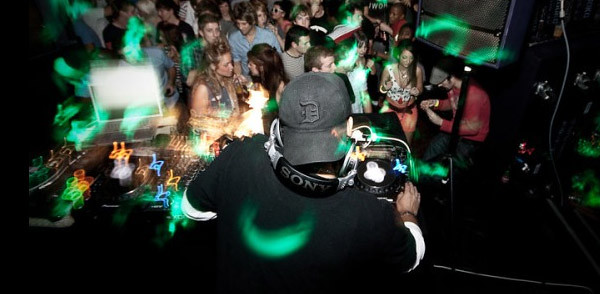 Delano Smith : Deep House Mix Oct 2010 (Image hosted at FlickR)