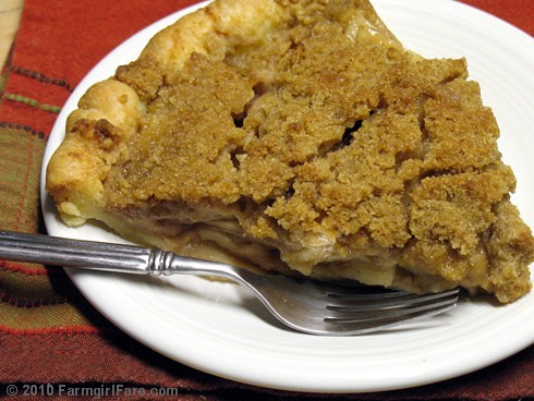 Homemade Apple Streusel Pie