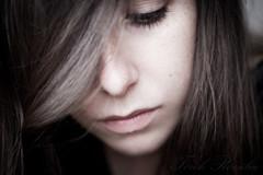 Lost Spotted Snood (Trk Rozlia) Tags: portrait woman brown selfportrait girl face canon hair arc haj barna portr lny narckp n eos40d
