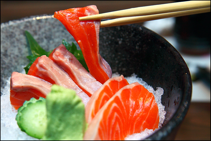 fresh-salmon-sashimi