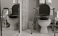la commode (Juan Valentin, Images) Tags: bathroom toilet wc bao commode retrete closestool waterclosed