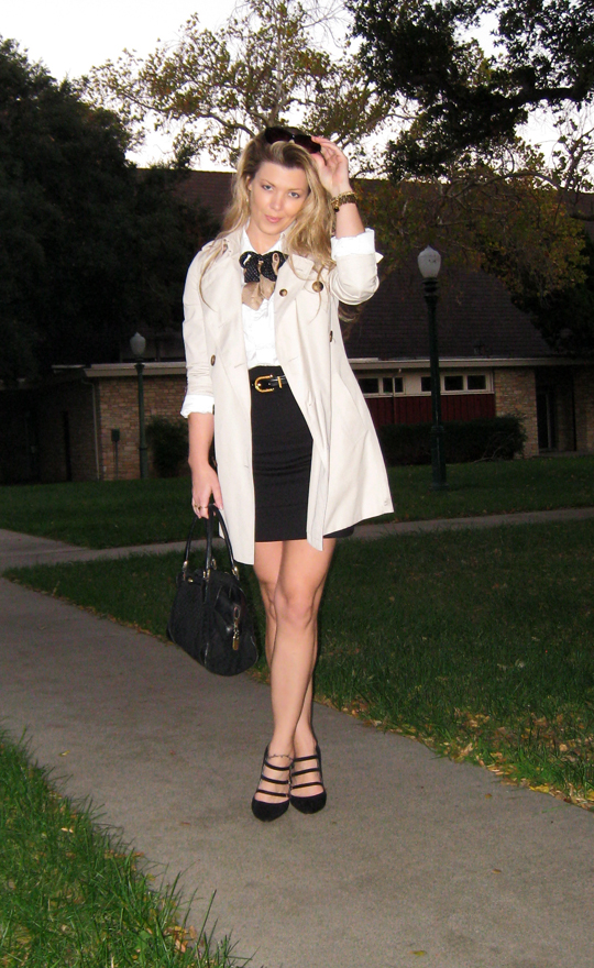 Burberry trench coat short+mini skirt+button down shirt+silk bow ties+pointy toe shoes with buckle straps+vintage gucci bag
