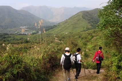 鹿頸(Luk Keng)近くのトレイルは時折人が行き来する程度だった
