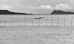 Fishermen with snorkel... (Pablin79) Tags: ocean trip sea sky bw cloud white black digital canon boats island eos mono reflex fishing holidays paradise quiet tranquility 5d stick relaxation vacations 28135mm markii peacefull monocrome canonef28135mmf3556isusm apolima manono canoneos5dmarkii 5dmkii pabloreinschphotography