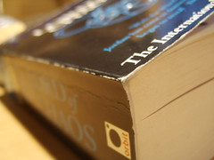 Lord of Chaos (liam_sheasby) Tags: reading book paperback fantasy wheeloftime robertjordan randalthor lordofchaos