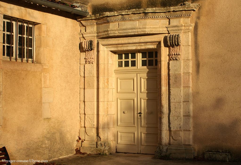 Une des belles portes extérieures