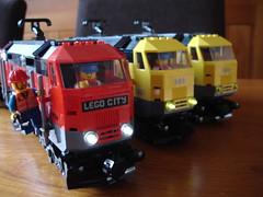 Lego 7939 cargo loc with PF lights (LegoSjaak) Tags: red yellow train lights lego zug cargo bahn geel rood trein pf 7938 7939