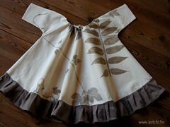 Robe fillette imprimée de feuilles