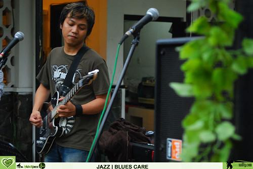 Jazz Cares - Iman Brata Trio (4)