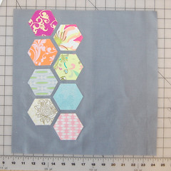 7LayoutOfHexesFront (ReannaLilyDesigns) Tags: sewing gifts quilting hex blogtutorial freepattern hexagonblock reannalilydesigns artgalleryfabrics hexies hexagonblocktutorial konagrey