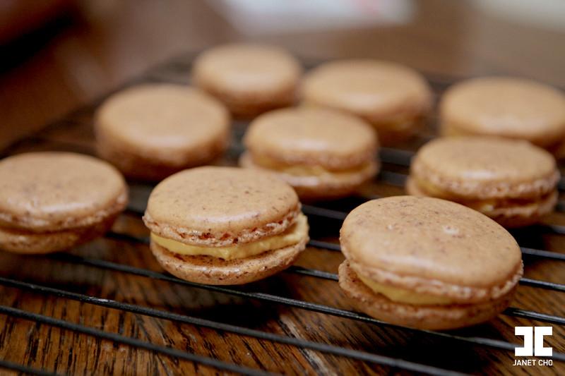 Pumpkin Cheesecake Macaron